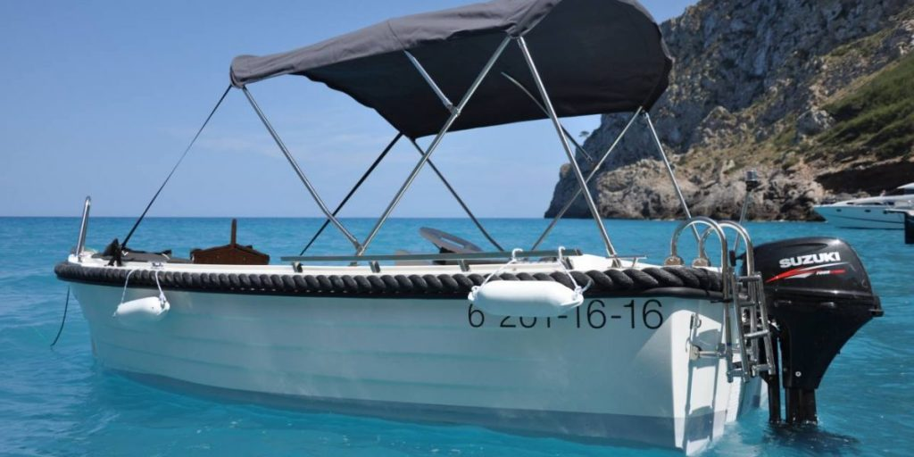 boat available for hire from Puerto de Alcudia